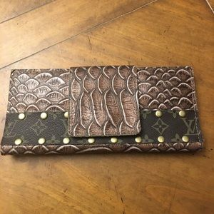 New leather wallet with authentic Louis Vuitton